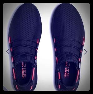 Under armour railfit shoes never worn